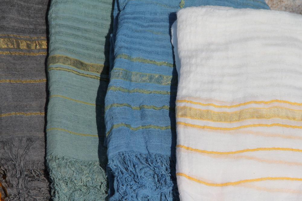 Foulard Bordure 100% coton tissé main teinture végétale ayurvédique 49€